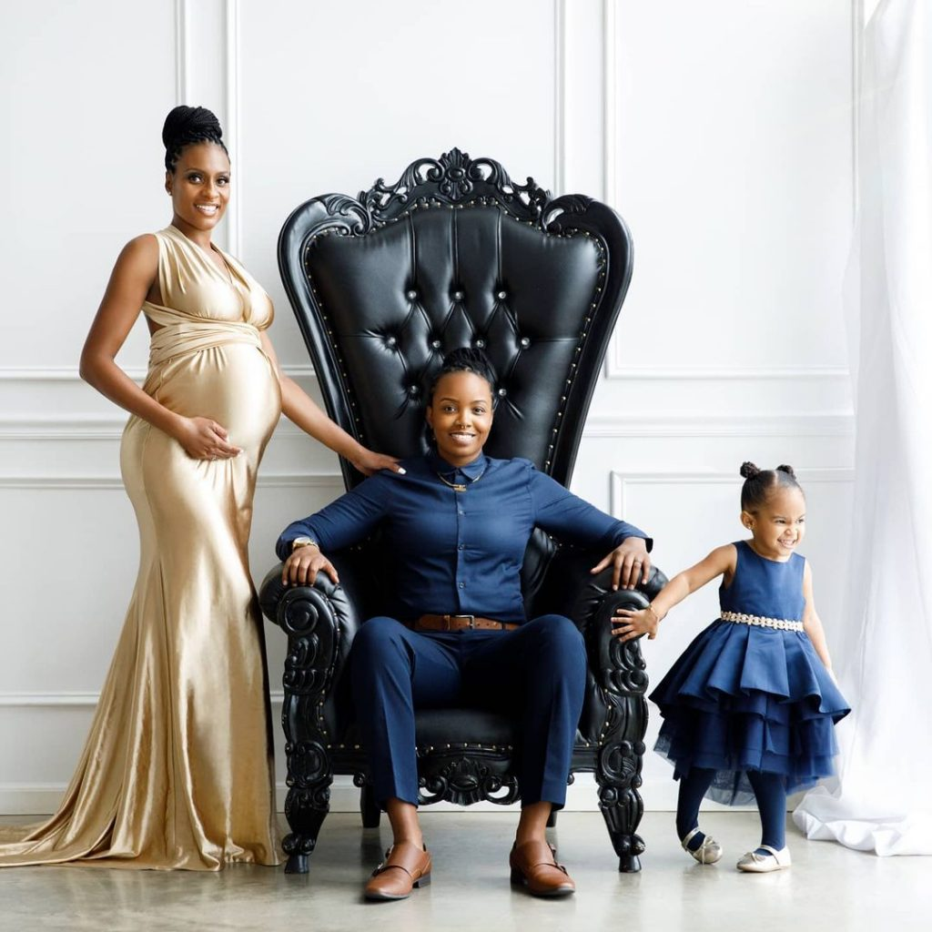 Lesbian couple bravely breaks the net with beautiful photos with their adorable baby