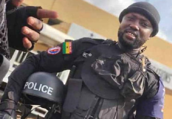 So Sad! Policeman collapses and dies while on election duty