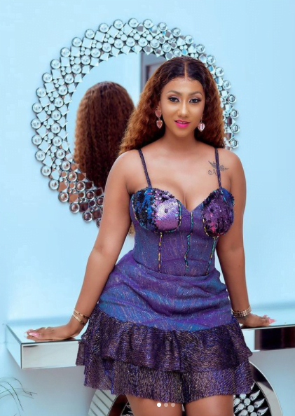 Hajia4real breaks the internet with raw n@k3t photos