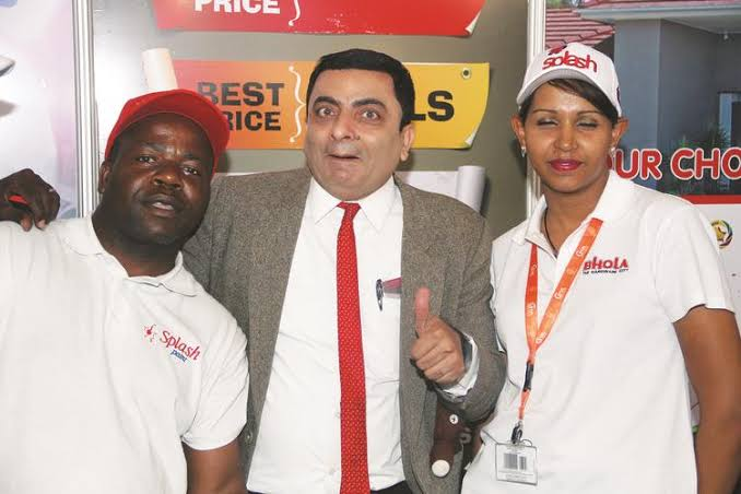 Fake Mr. Bean surfaces as he hosts a show in Zimbabwe - Video